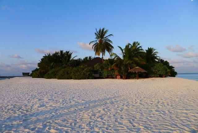 800px-Desert_Island_(8685053723)